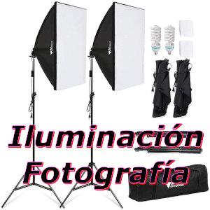 pareja de focos para iluminacion para fotografía con sus bolsas y trípodes de sujección.